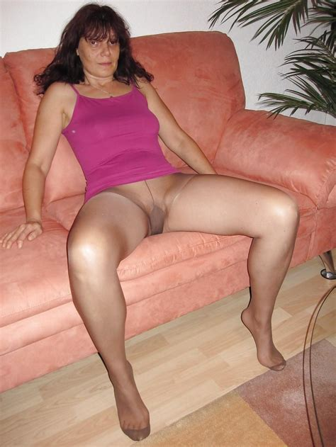 Maturepantyhose videos jpg 1000x1333