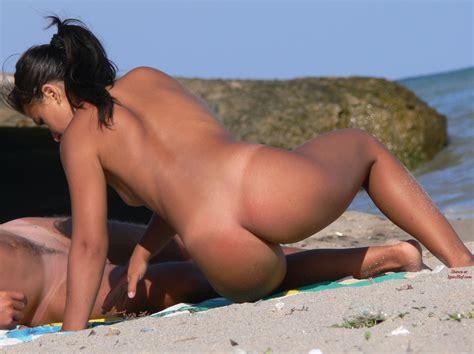 nude upload jpg 1200x898